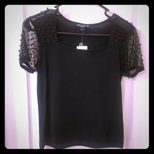 ✨Black short sleeve sweater with beads✨